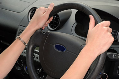 steering_wheel_hands